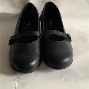 Dr. Scholl's super comfortable low wedge Shoes